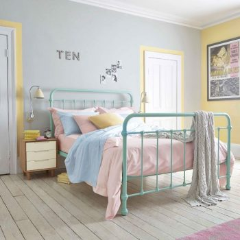 Pastel Bedroom - Feather & Black